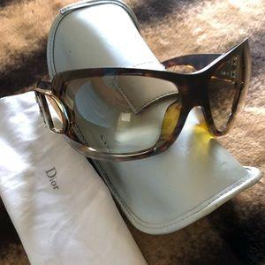 🔥REDUCED🔥DIOR Shield sunglasses